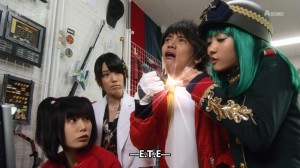 [Over-Time] Unofficial Sentai Akibaranger 2 - 05 [DB449A95].mkv_snapshot_04.32_[2013.05.19_15.25.43]